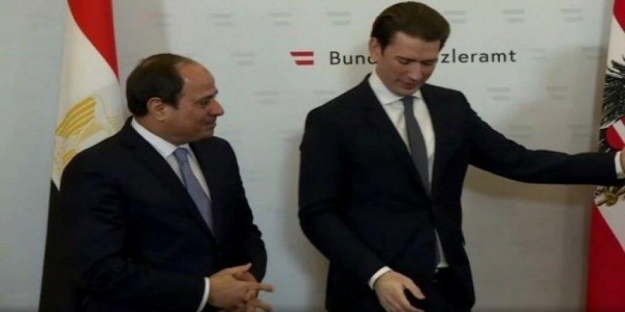 Sisi ile İslam karşıtı Kurz'a söz verdi