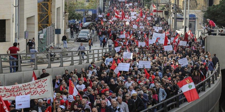 Lübnan'da yolsuzluk karşıtı gösteri