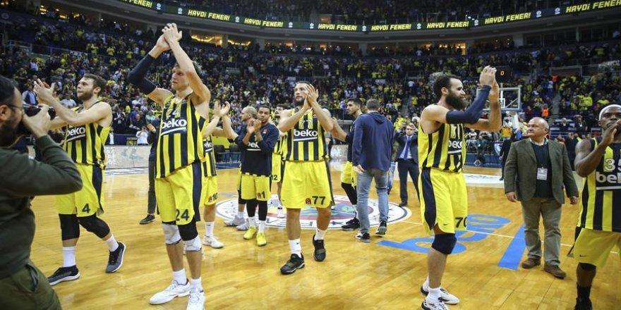Lider Fenerbahçe, Karadağ deplasmanında