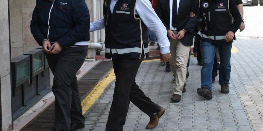 Eski 30 havacı askere FETÖ'den tutuklama