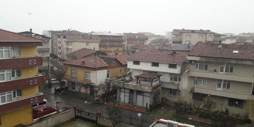 Gebze'ye kar yağdı!