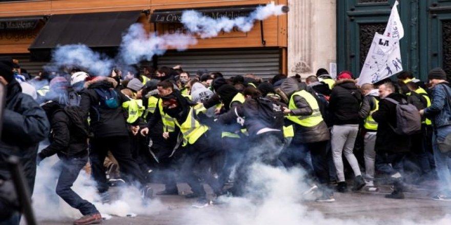 Sarı Yeleklilerin gösterilerinde polise soruşturma