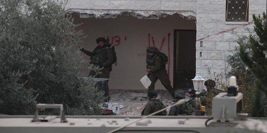 İsrail, Filistinlilere ait bir evi yıktı