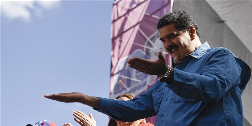 Venezuela Ordusu'ndan Maduro'ya sadakat sözü