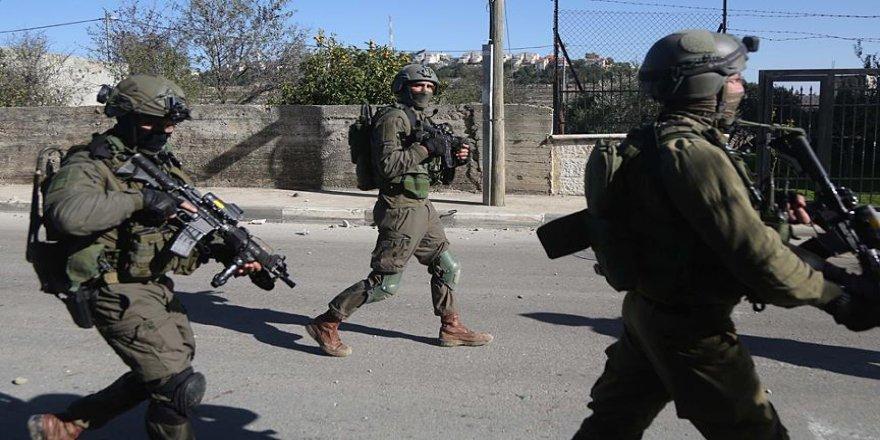 İsrail askerleri yaraladıkları kadını gözaltına aldı