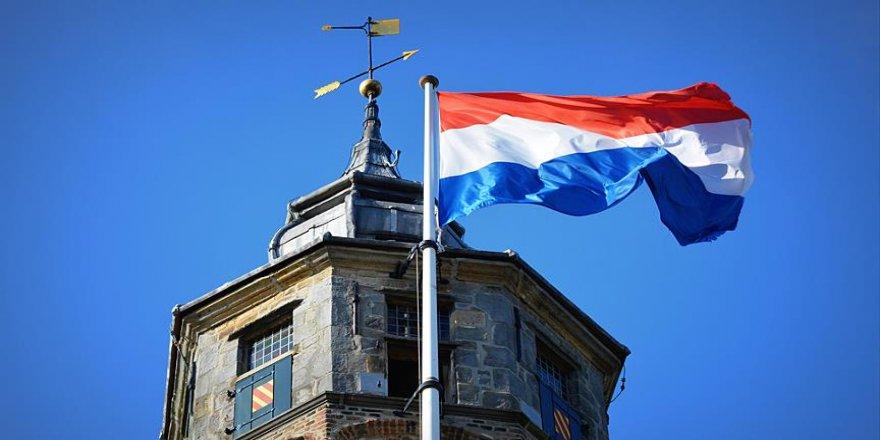 Hollanda'dan FETÖ aleyhine karar