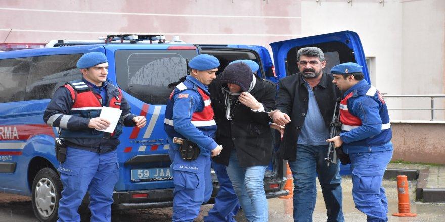 30 esnafı dolandıran 3 şüpheli tutuklandı