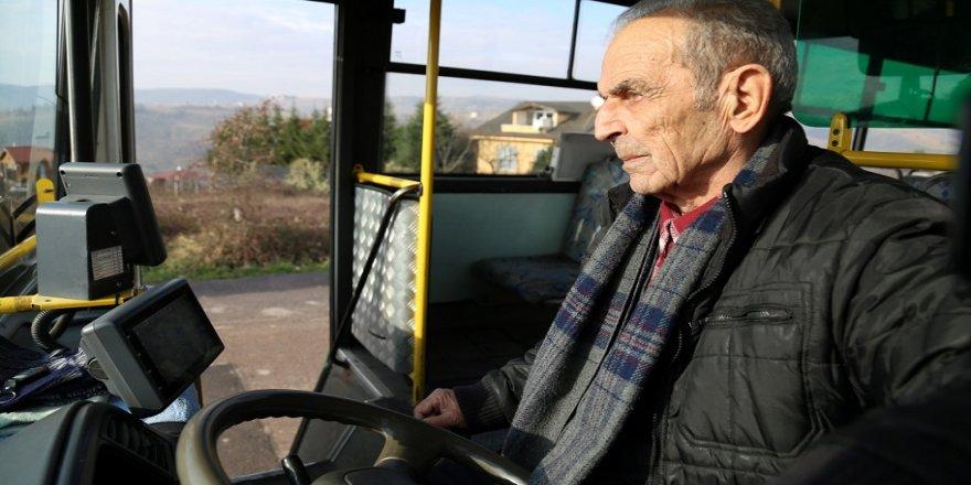 81 yaşında şoförlüğü bıraktı