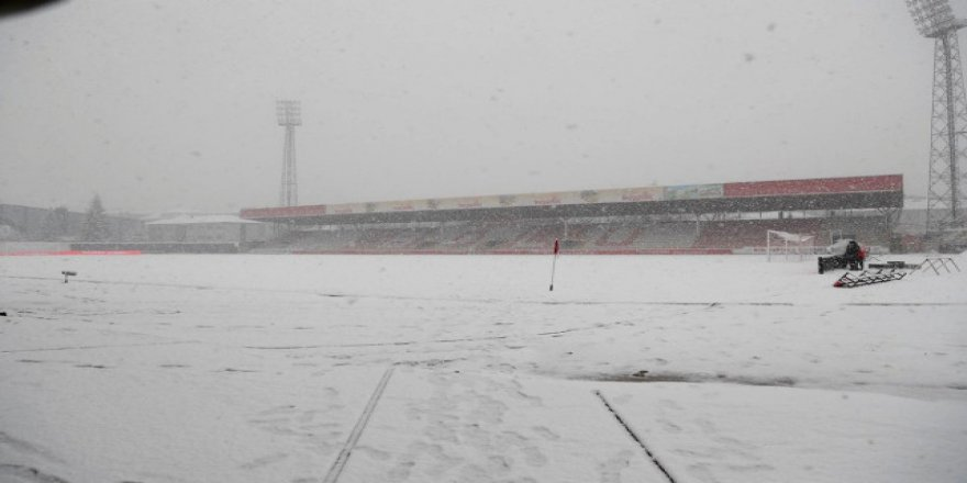 Boluspor-G.Saray maçına kar engeli! İşte mücadelenin oynanacağı tarih