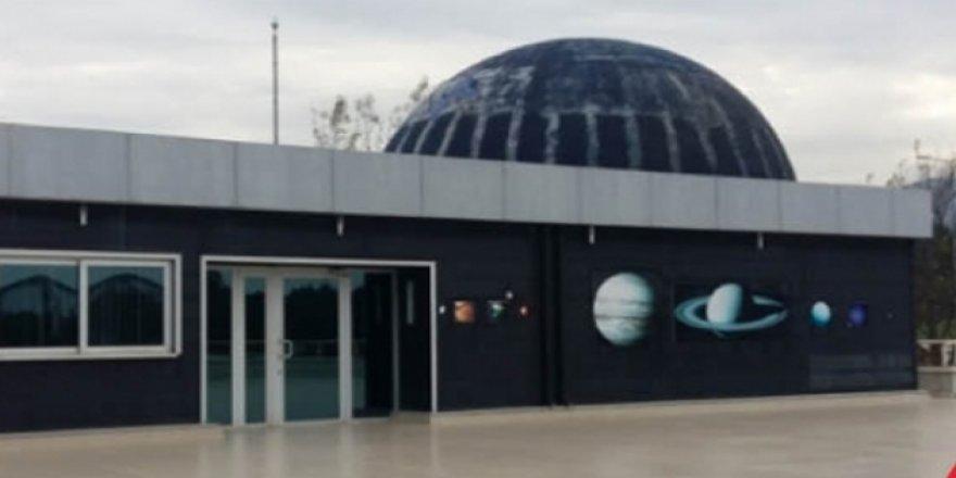 Türkiye'nin ilk planetaryumu 220 bin ziyaretçiye kapılarını açtı