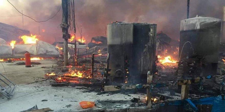 Göçmen kampında yangın çıktı