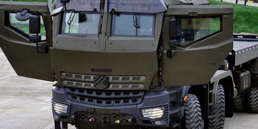 Prototipi üretilen 8 çeker zırhlı askeri lojistik destek aracı 'Derman', sertifikasyon testlerine girmek üzere yola çıktı