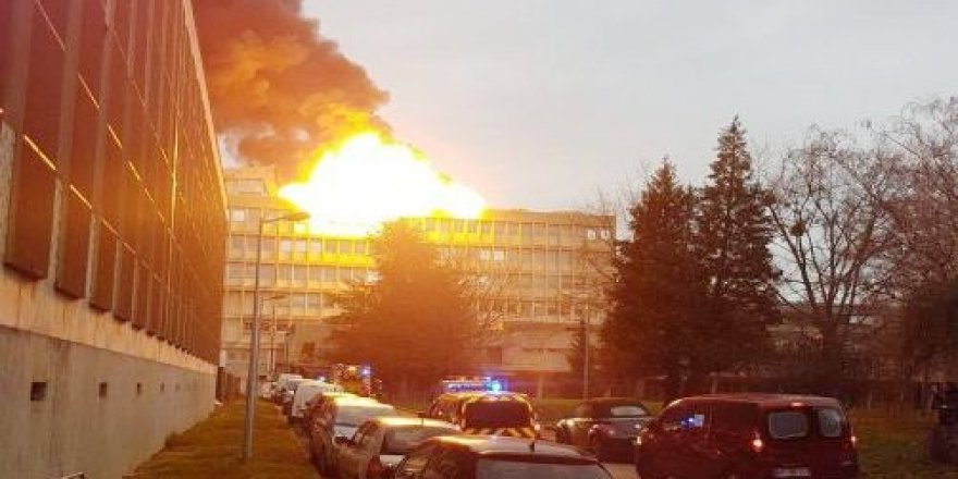 Üniversitede patlama