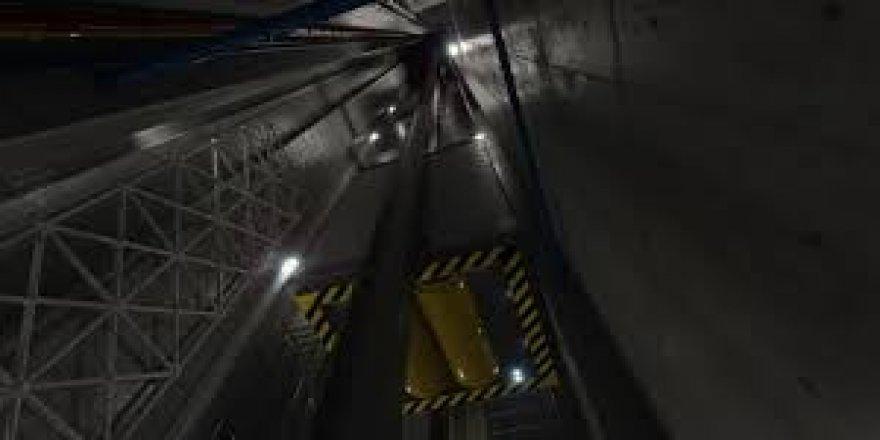 İçinde 14 kişi bulunan asansör altıncı kattan düştü