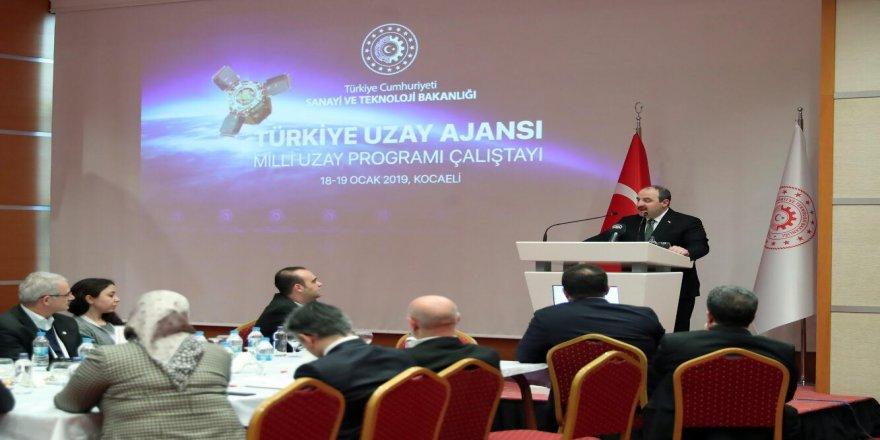 """""""Türkiye Uzay Ajansı'nın merkezi Ankara'da olacak"""""""