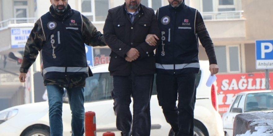3 kilo 600 gram altında yurt dışına çıkarken yakalanan FETÖ zanlısı serbest bırakıldı