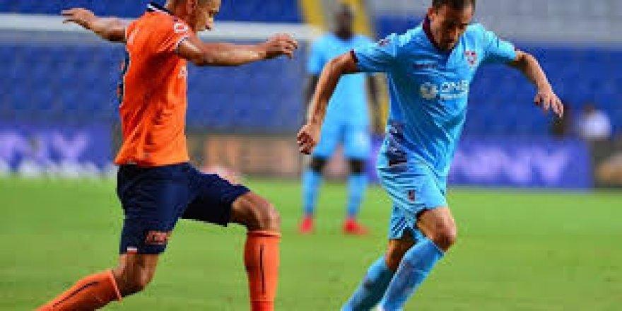 Spor Toto Süper Lig: Trabzonspor: 0 - Medipol Başakşehir: 2 (İlk yarı)
