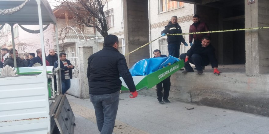 İnşaatın çatı katında erkek cesedi bulundu