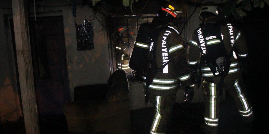 Suriyelilerin kaldığı evde yangın çıktı