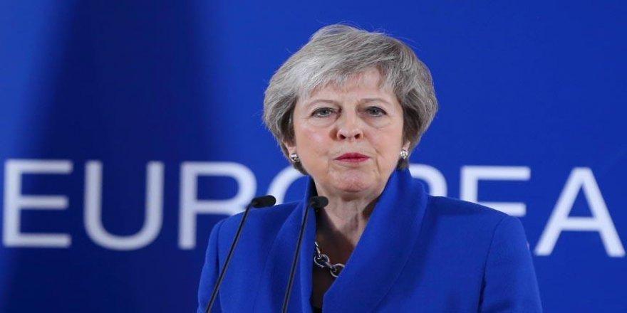 May, Brüksel'de Brexit'i görüşecek