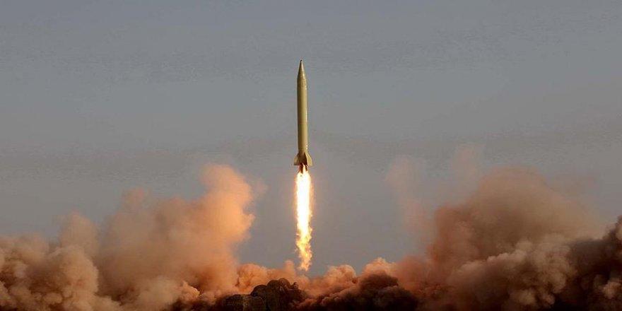 İran, bin kilometre menzilli balistik füze üretti