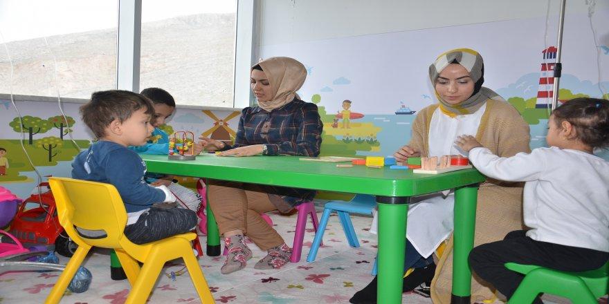 Elbistan Devlet Hastanesi'ne çocuk oyun odası açıldı