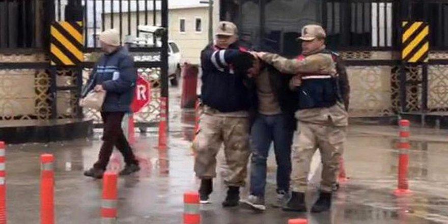 Cinayet zanlısı, Suriye'de jandarma ve ÖSO iş birliğiyle yakalandı