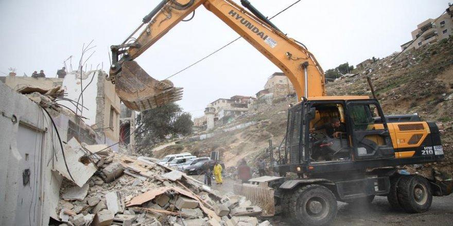 İsrail, Filistinlilere ait 3 evi yıktı