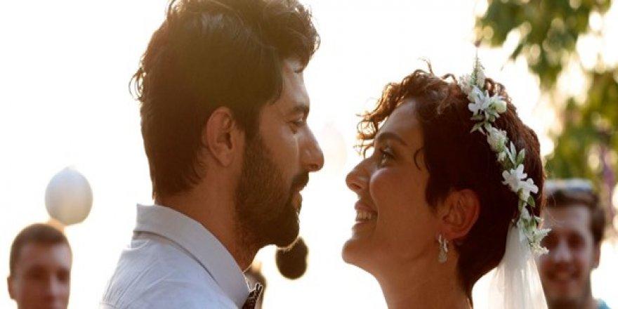 Bir Aşk İki Hayat filminin İzmir galası 15 Şubat'ta