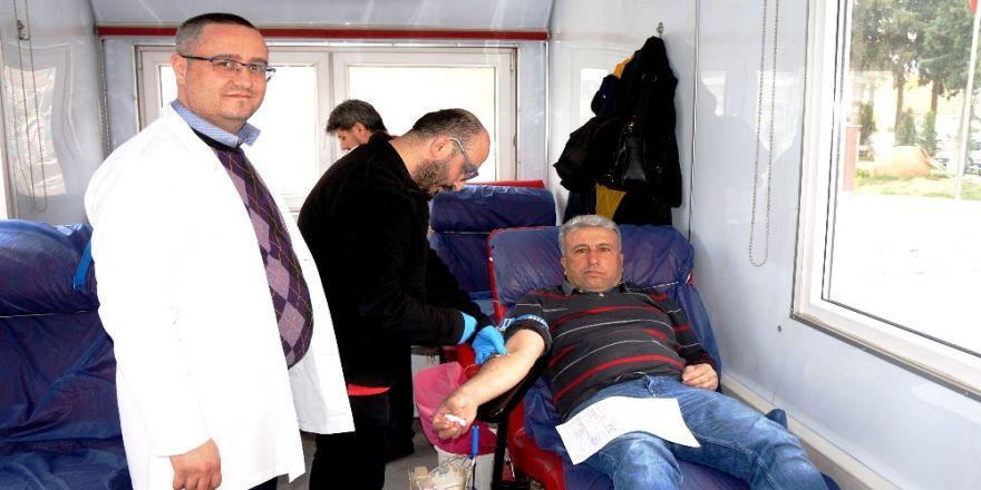 Sarıgöl'de iki günde 100 ünite kan toplandı