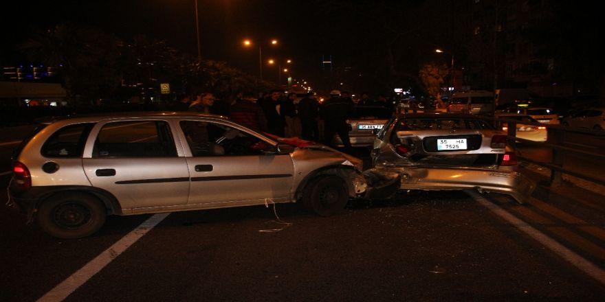 İzmir'de asker uğurlama konvoyunda kaza