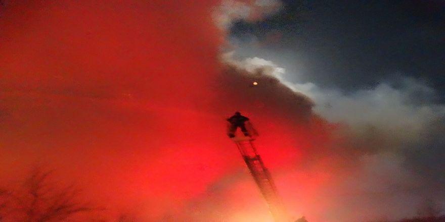 Ev ve ahır yangını