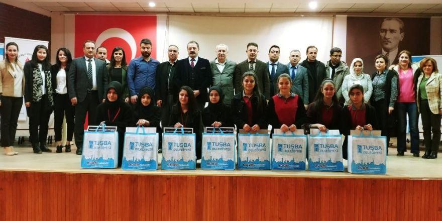 """Tuşba'da """"Fikirler Konuşuyor"""" münazara yarışması"""