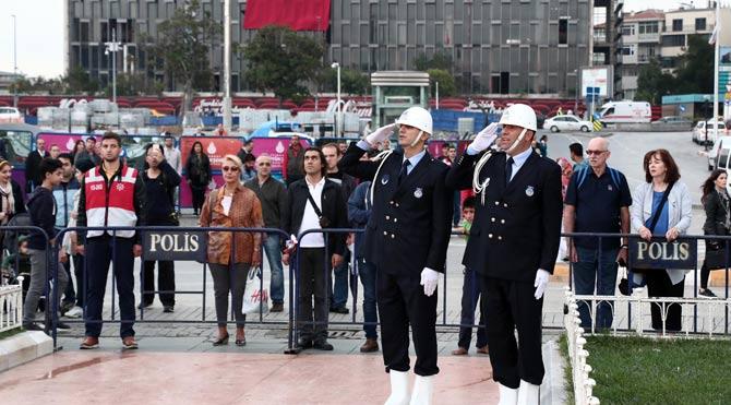 Bugün İstanbul'un Kurtuluşunun 92. Yıldönümü