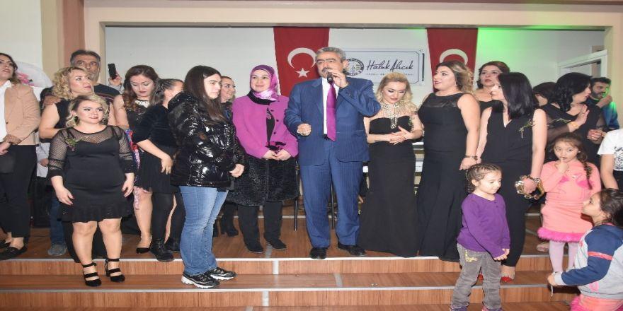 Başkan Alıcık, Nazilli Bayanları'nın düzenledikleri etkinliğe katıldı