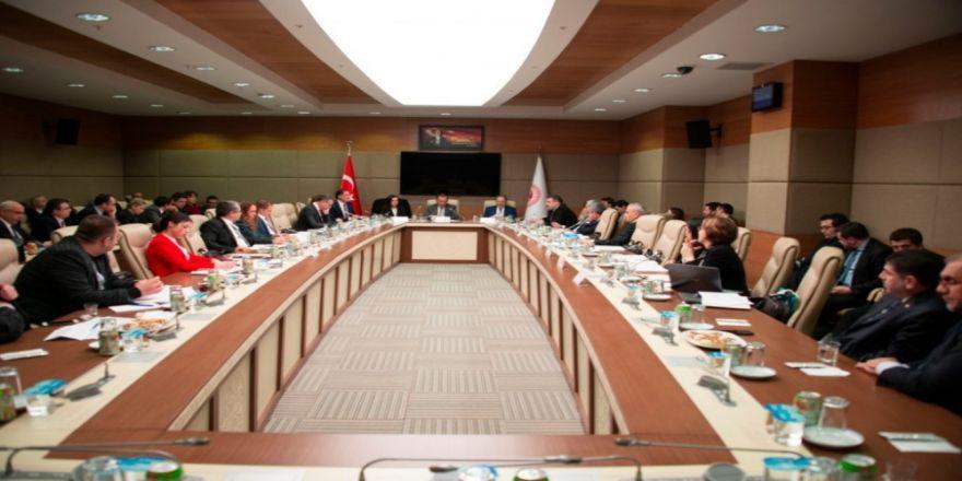 Rektör Çomaklı 'Ombudsmanlığın Dünü, Bugünü ve Yarını' sempozyumuna katıldı