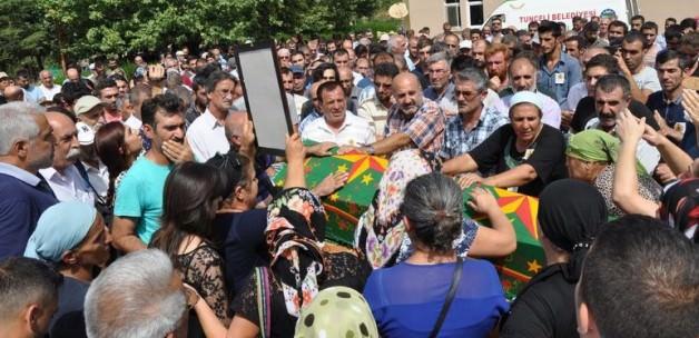 HDP'li milletvekilleri terörist cenazesinde