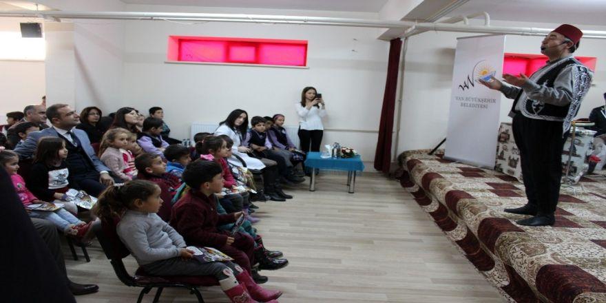 Van'daki eğitici tiyatro gösterileri beğeni topladı