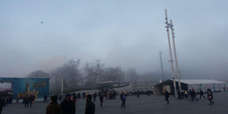Taksim'den eşsiz sis manzarası