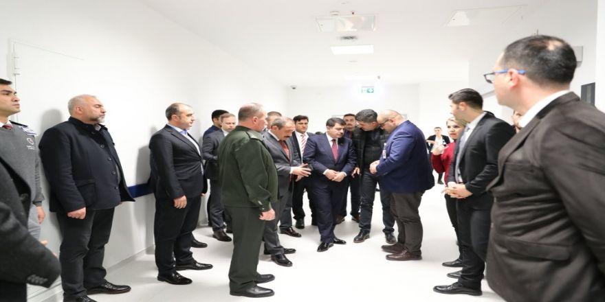 Vali Şahin'den yaralı askerlere ziyaret