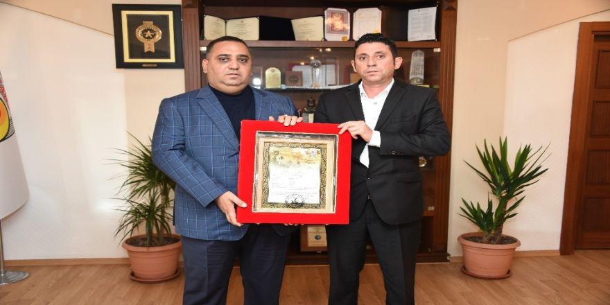 Başkan Can'dan şehit Hüseyin Aytürk'ün ailesine konut