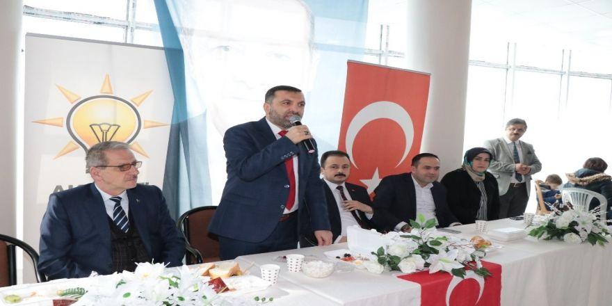 Kavak'ta adaylara kahvaltılı tanıtım