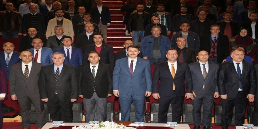 Vali Ayhan, okul aile birliği başkanlarıyla bir araya geldi