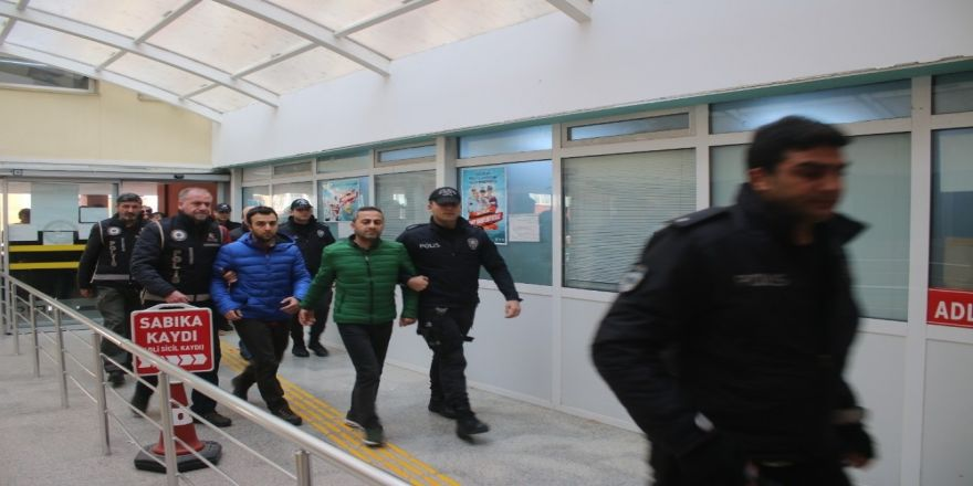 Kocaeli'de FETÖ/PDY operasyonu: 3 askeri personel tutuklandı