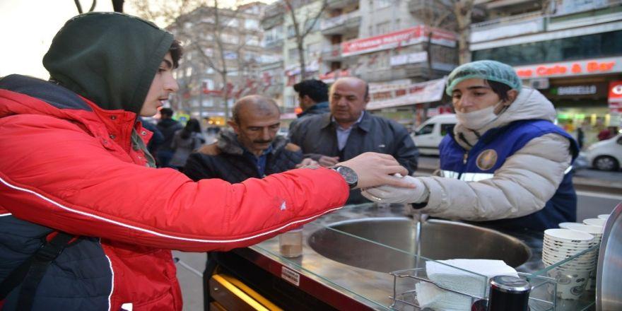 Diyarbakır'da ikram arabaları hizmet vermeye başladı
