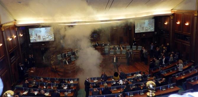MECLİS'TE GÖZYAŞARTICI GAZ ATILDI !