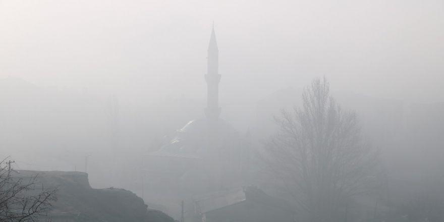 Sivas'ta Yoğun Sis Etkili Oldu