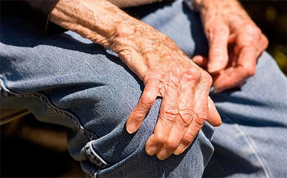 65 yaş üzerinde Parkinson riskine dikkat!