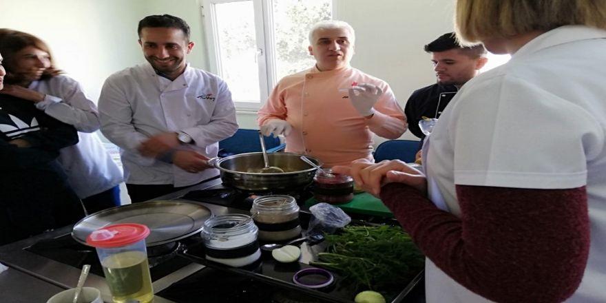 Dünyaca Ünlü Mardinli Şef Demir'den Kursiyerlere Eğitim