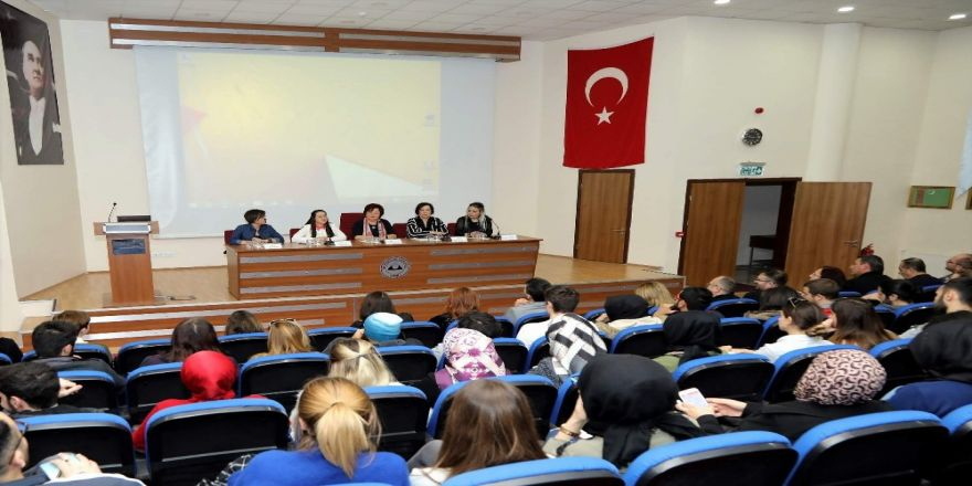 Kayü'de Kadın Girişimciler Öğrencilerle Bir Araya Geldi